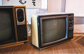 """电视机改革印记:从""""凸面""""到""""凹面""""缩略图"""