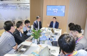 李斌首度披露蔚来上市计划,承认ES8量产延期缩略图